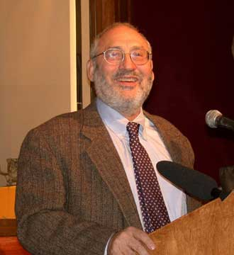 "Stiglitz – ""A Chasm Deepens in America's Credit Markets, Swallowing Smaller Firms"""